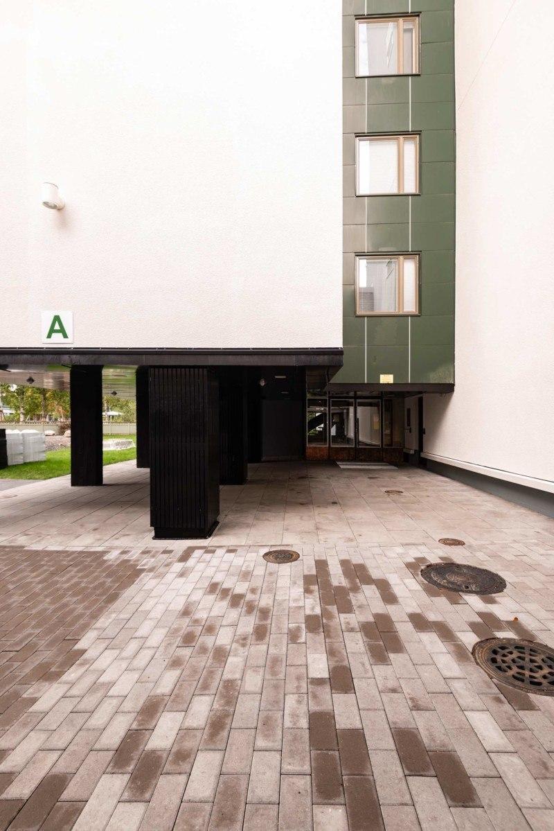 Kortepohjan A-talon sisäänkäynti. Kuva: Jari Kuskelin